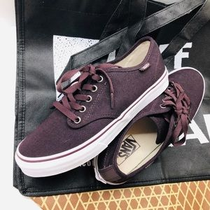 VANS Women's Canvas Shoes Size 8 (721356) W/ Bag